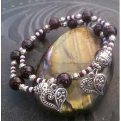 Bracelet 2 rangs perles de Grenat et breloques coeurs